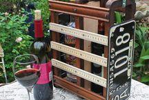 Wine accessories / Аксесоари за вино / За любителите на вино аксесоарите са важен елемент. Те допълват, поддъжат и допълнително украсяват бутилките с вино. Някои от аксесоарите са облекло за бутилки, поставки за вино и други.
