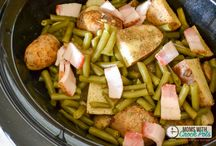 Crockpot meals / by Claudia Romo