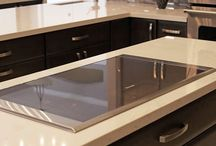 Maple Zinc Sardinia / Designer: Eugene Yakushev – Studio 75, LLC  Specie: Maple Color: Zinc Overlay: FOLC Doors: Sardinia Drawer: Slab