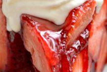 Strawberry Cakes $ Desserts