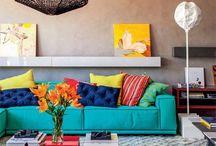 Decoração sofá azul turquesa