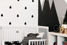 Black and White Nursery Ideas / Black and white nursery inspiration, black and white nursery design ideas, modern nursery, mod nursery, black white nursery design, geometric nursery decor, black white nursery boy