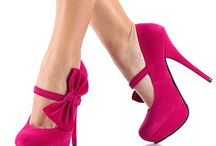 Shoes•Shoes•Shoes / by Jenny Espinoza