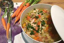 Happy Family / Rezepte für Groß & Klein; innovative Rezeptideen & traditioneller Gerichte Salate & Co Suppen & Eintöpfe Alles für den gedeckten Tisch Sweet Happinez