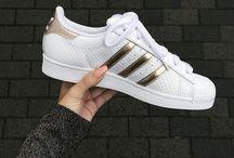 Tøj sko og smykker