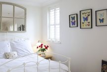 Restful Retreats in London / Comfortable and attractive bedrooms of holiday rentals in London's top locations.