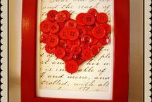 TODO CORAZONES. / Cientos de sitios donde aparece el símbolo ❤ que representa el amor. Símbolo que ha sido asociado por años con el corazón...el cerebro hace el trabajo y el corazón se lleva el mérito.
