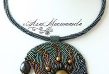 Beautiful Bead Embroidery / by Autumn Dawns Art and Jewelry
