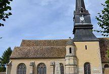 Saint Martin...en Région Centre / Saint Martin (316-397), surnommé l'apôtre des campagnes, fut le troisième évêque de Tours. De multiples artistes l'ont représenté au cours des siècles, de multiples églises, chapelles, villes... portent son nom le monde entier. En voici quelques représentations... non exhaustives !
