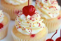 Cupcakes & Cakepops / by Lisa Strubinger