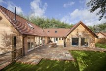 Foxcombe  / Sleeps 14 in luxury holiday lodge with 6 en suites and indoor swimming pool - http://www.groupstays.co.uk/