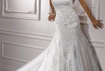 wedding dress shopping!!!!! / by Britanie Speziale