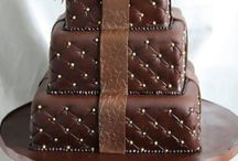 Cakes : Chocolate / by Caroline Rainbird