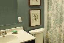 Bathrooms / by Stefanie Weiler