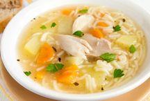 Bouillon de légumes et restes de poulet