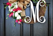 DIY Wreaths / DIY wreaths I'm not the craftiest and would love to make all of these.