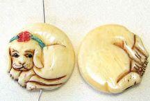 Animal Beads > Dog / Hand carved natural gemstone, boxwood and bone beads.