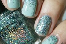 nails / by May Kassis