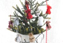 Budget Kerstversiering / December is een super dure maand. Hoe kun je je huis prachtig versieren, zonder daarvoor al te veel geld uit te geven? Deze betaalbare DIY-ideetjes en versiertips helpen!