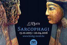 SARCOPHAGI / L'equipe impegnata nel restauro in diretta di due Sarcofagi della XXI Dinastia