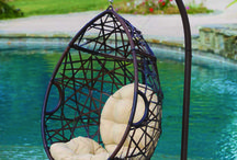 Hanging Egg Chairs / Discover modern hanging egg chairs for your contemporary home on Hammock Town.