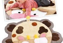 Cocon tout doux pour bébé / Des idées Wesco, des doudous, des tapis d'éveil, des turbulettes, des édredons géants, toute une sélection de produits et d'astuces tout doux pour Bébé. De quoi craquer !