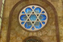 Jewish Heritage Tours in Istanbul / THE SYNAGOGUE VISIT ;  08 : 30 Am Pick up from the hotel or from the cruise.. 09 : 00 Am Ashkenazi Synagogue 09 : 20 Am Galata Quarter Visit 09 : 50 Am Balat jewish Quarter Walking Tour 10 : 10 Am Ahrida Synagogue 10 : 30 Am Tea / Coffe Break in a local Patisserie 11 : 00 Am Jewish museum- Zulfaris Synagogue  The times are given by the Rabbinate & Times can change According to Them. http://www.istanbullife.org/tours/synagogue_istanbul.htm