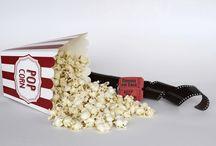Filmes e séries para curtir em família / Sabe aqueles filmes legais para fazer um cineminha em casa em família? Aqui você encontra títulos para curtir com as crianças e com os adolescentes.