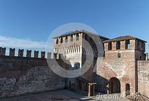 Castello di Soncino - Dreamstime / All these photos can be bought full size and with no watermark -  Follow the link