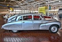 Josef Tichý / Českých výrobků Tatra, které jsme vyráběli. To samé o Cadilacku. Ford, je také nádhera.Josef