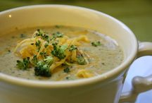 Food - Soups, Stews, & Chilis / by Kimberly Thorvaldson