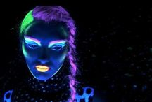 glow in the dark / black light     UV   neon