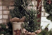 Primitives Christmas Decors