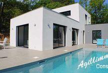 Immobilier de luxe / Biens immobilier de luxe à vendre dans le Var en Provence sur la Côte d'Azur dans le Sud de la France. Appartements et maisons, propriétés avec de belles prestations haut de gamme. Domaines et biens de prestige.