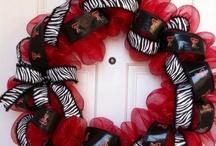 Wreaths / by Vikki Yeary