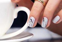 Minimalist Nail Art / by Candy Magazine