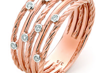 Cailes Manufacturing Jewellers / Love Giving Jewellery at Christmas