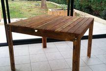 table palette bois / table construite en bois de palette de récupération.