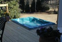 Hot Tub Decks in The Macon Warner Robins GA area / Hot tubs and spas are popular for a number of reasons. They can be used for relaxing, socializing, and for therapeutic reasons. They are certainly an oasis that will bring many hours of enjoyment. But, you need a place to put your hot tub. We build decks to frame and support all types of hot tubs and spas.