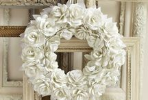 Wreaths / Ideas for wreaths for everday, holidays & seasons, for your front door.  DIY wreaths made with burlap, yarn, flowers, ribbon and more.