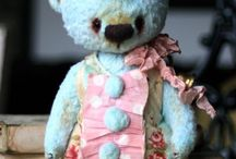Olga Fomenko & Her Vintage Bears / …laden with texture, each creation is inspired by vintage fabrics & shabby chic style…