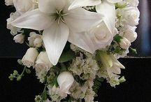 Aurora Maria 73 aranjamente flori albe