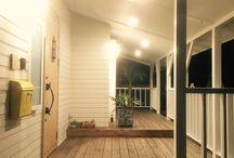 A entrance/balcony