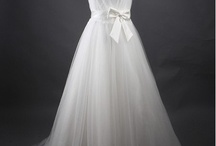 Wedding Dresses / by Stefania Bowler