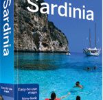 Travelling without moving / Sometimes it's nice to travel with the imagination by reading, watching a movie or listening music. Check out our tips to start discovering Sardinia or dreaming after your return