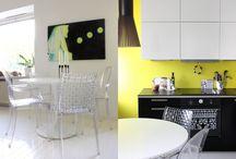 Inspiraatio / Musta portaikko, keltainen takaseinä. Harmaat lattiat. Valkoiset keittiökaapit, Mondrian-henkinen yläkaapist. Mid century modern -mummola meets industrial loft.