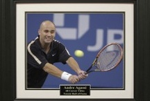 Tennis Memorabilia / Signature Royale provides the finest and authentic tennis memorabilia. Such as signed photos or signed tennis ball.
