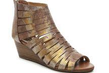 Laura wedding shoe options