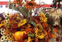 Floral Arrangements / by Renee Sorenson