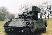 MODERN - M2 BRADLEY / M2 Bradley– amerykański gąsienicowybojowy wóz piechotyopracowany i produkowany przez FMC Corporation. Wóz nazwano na cześć gen.Omara N. Bradleya.